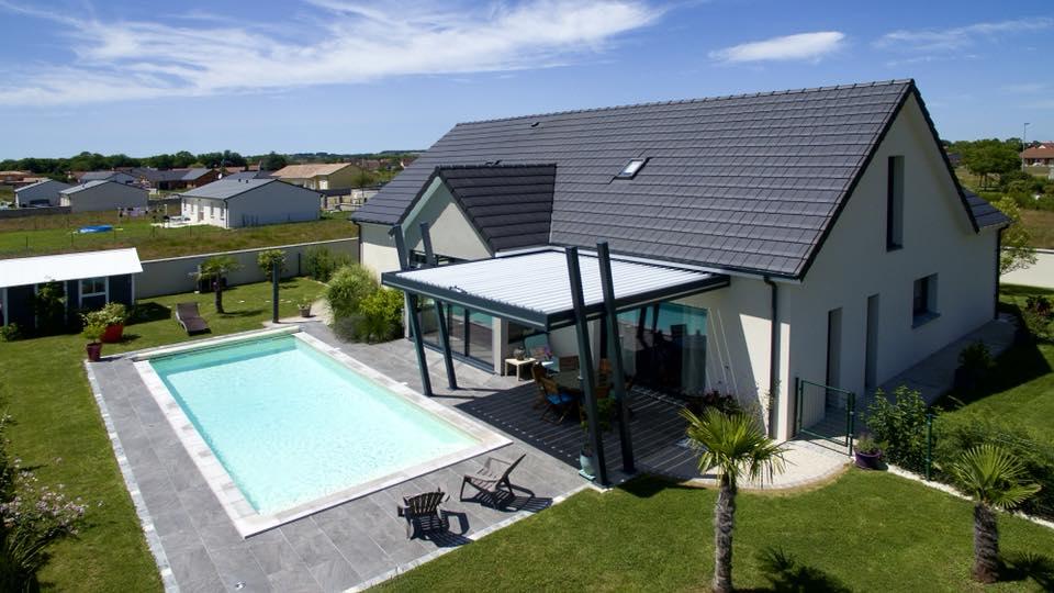 pergola bioclimatique design piscine